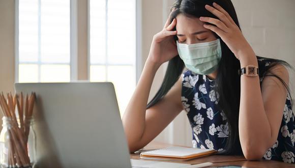 """""""El estrés o las situaciones donde hay mucha tensión pueden generar complicaciones en nuestra salud a nivel general, pero también podría afectar nuestros ojos"""", indicó el oftanmólogo, Carlos Siverio Llosa. (Foto: Getty Images)"""