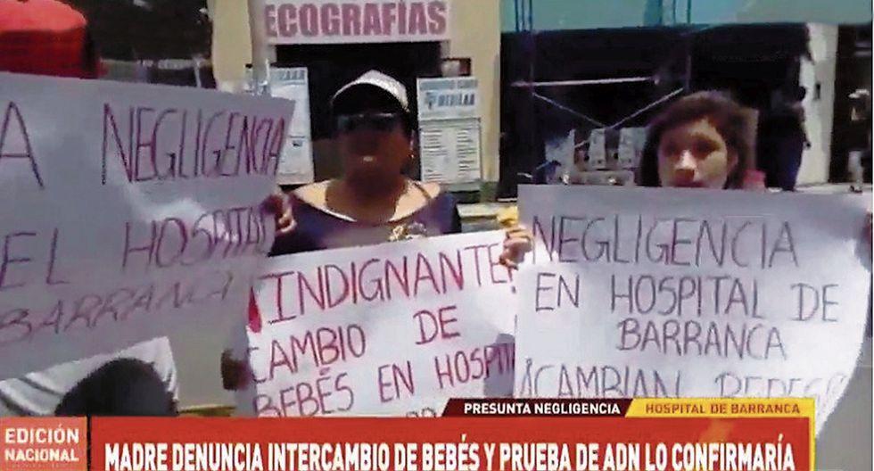 Una madre primeriza de 17 años denunció que le cambiaron a su hijita al nacer en el hospital de Barranca y, entre llantos, pide que se la devuelvan.