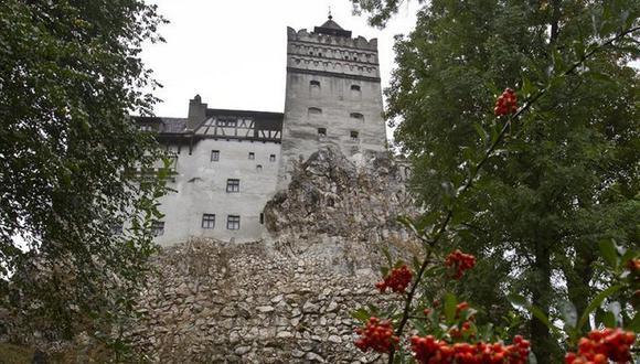 En esta foto del 8 de octubre de 2011, el Castillo de Bran, más conocido como el Castillo de Drácula, un día lluvioso en en Bran, en la región central de Transilvania en Rumania. (Foto: AP / Vadim Ghirda)