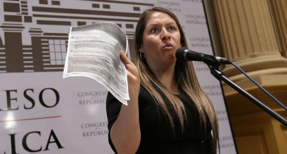 Yeni Vilcatoma cuestionó que los congresistas hayan planteado que el adelanto de elecciones se debata en el pleno y no en la Comisión de Constitución. (Foto: GEC)