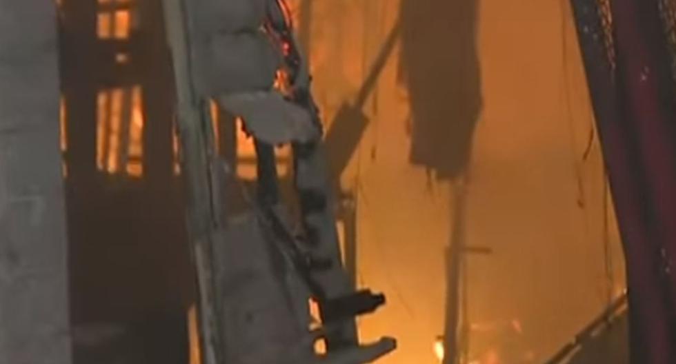 Incendio consumió almacén de la municipalidad esta madrugada. Foto: Captura de Buenos Días Perú