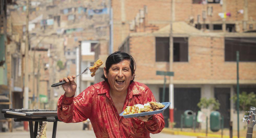 'Chacal' vende pollo broaster, en San Juan de Lurigancho.