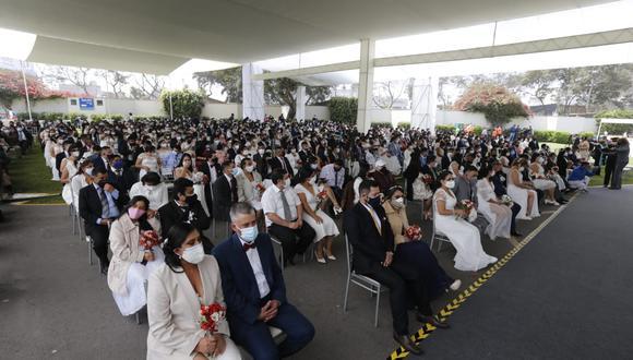 Un total de 200 parejas se unieron en matrimonio civil comunitario en el Circuito Mágico del Agua. (Foto: Violeta Ayasta / GEC)