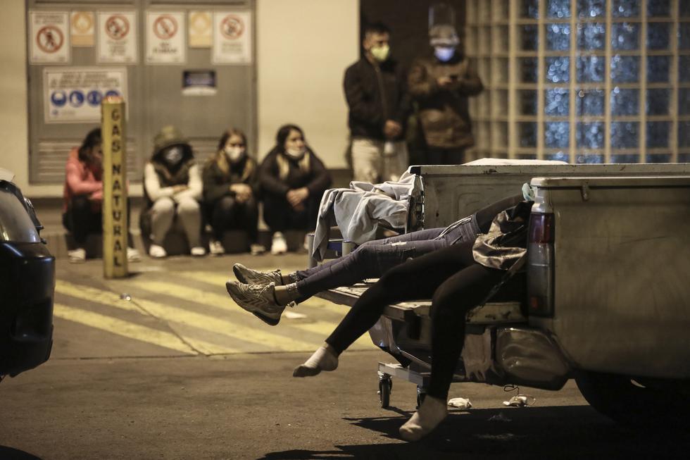 Lima 23 de agosto de 2020  Trece personas fallecieron la noche del sábado durante una intervención policial al interior de una discoteca en el distrito de Los Olivos. Los hechos ocurrieron minutos antes de iniciarse la inmovilización social obligatoria en el marco de la epidemia de coronavirus en un local ubicado en la cuadra 2 de la avenida El Zinc.  Foto: Joel Alonzo/GEC