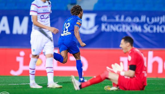 André Carrillo vuelve a anotar en Arabia (Foto: @Alhilal_fc)