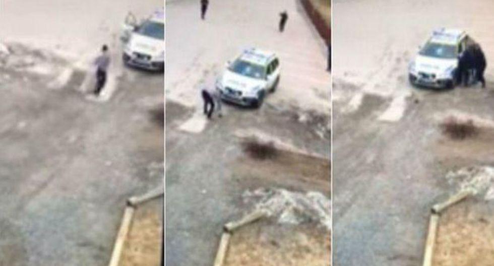Policías suecas no pueden detener a vándalo. (Facebook)