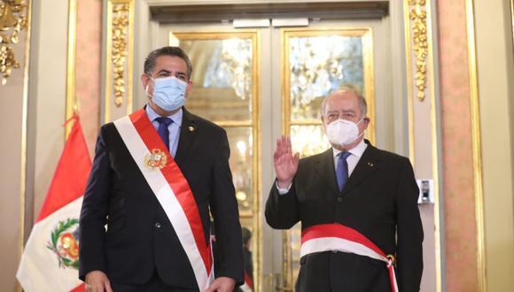 Presidente Manuel Merino tomó juramento a su primer ministro Antero Flores Aráoz (Foto: Presidencia)