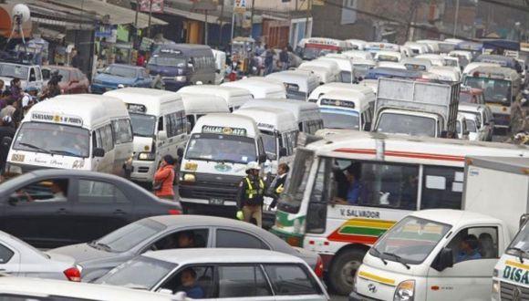 Las empresas de transporte deberán colocar a los conductores en planillas para prestar el servicio en Lima y Callao. (Foto: GEC)