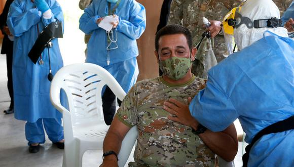 Aún falta vacunar a 10 mil militares de la selva y sur del país. Este proceso se detuvo por las Elecciones Generales 2020 (Foto: Mindef)