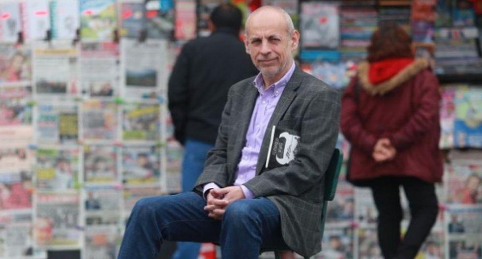 El Búho analiza el libro 'Mis monstruos favoritos', último libro del crítico de televisión Fernando Vivas.