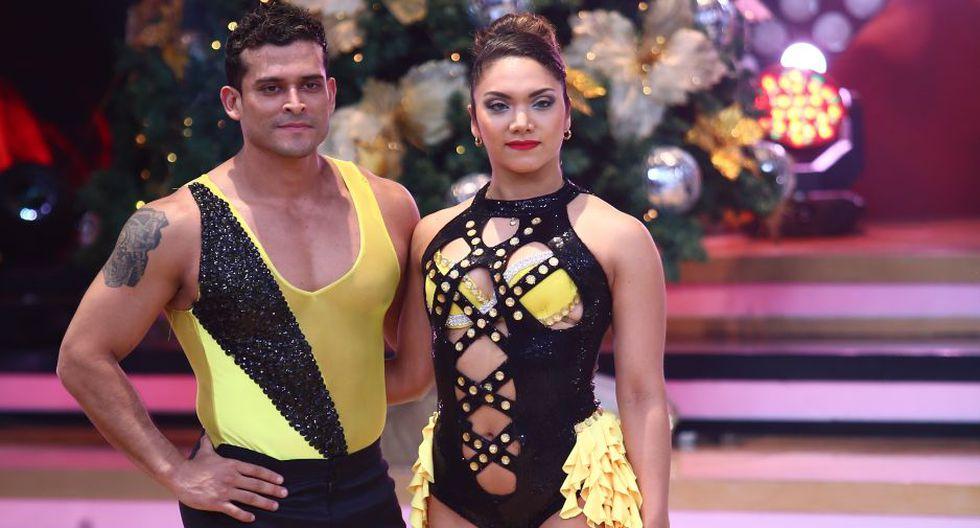 Milett Figueroa apoya a Christian Domínguez y a Isabel Acevedo.