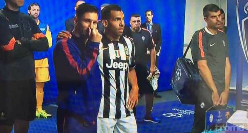 LIonel Messi y Carlos Tevez  reafirmaron su amistad en partido entre Barcelona y Boca Juniors
