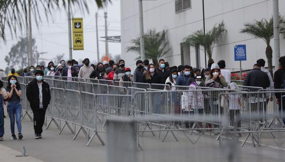 El número de personas infectadas subió este domingo. Fotos: Fernando Sangama / @photo.gec