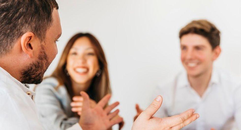 En las reuniones de negocios con ejecutivos de otros países podrás ser el representante de la empresa por dominar inglés. (Foto: Freepik)