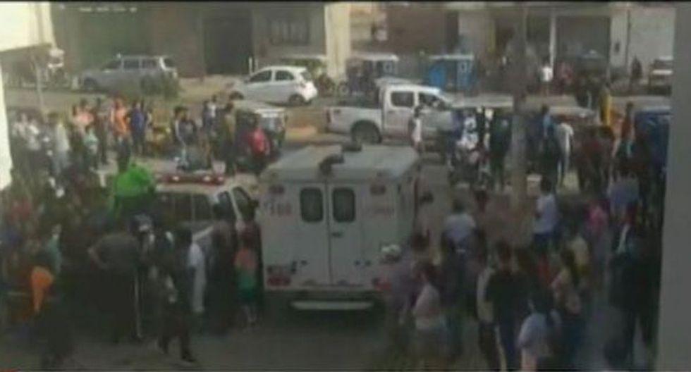 Una ambulancia llegó hasta la zona, pero no pudo hacer nada para salvar la vida de la víctima. (Foto: Captura/América Noticias)