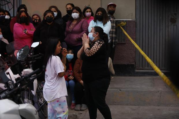 Familiares de las víctimas protagonizaron dramáticas escenas de dolor. (Foto:GEC)