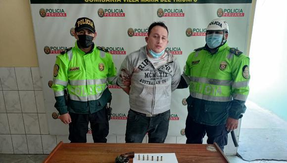 El vigilante particular Youssef Julio Hinojosa Barzola (38) arremetió a balazos a su expareja, a quien hirió de gravedad de dos balazos en el abdomen, en Villa María del Triunfo. (foto: TROME)