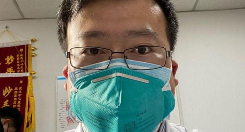 """El médico chino fue acusado por las autoridades de realizar """"comentarios falsos"""" antes del brote. (Captura)"""