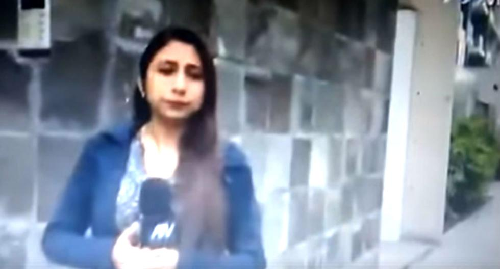 Reportera olvida que su micro estaba prendido y suelta tremenda lisura al hacer pase a su compañero