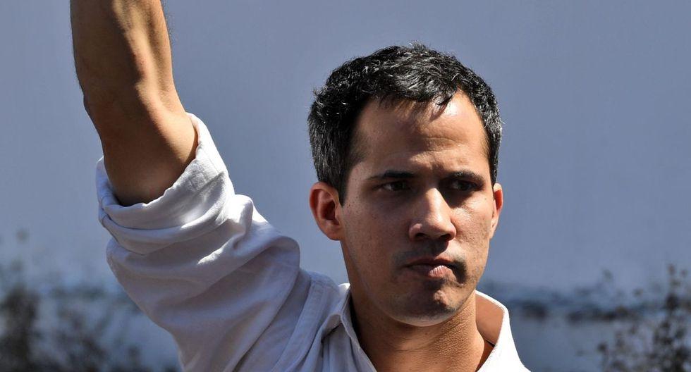 José Gregorio Noriega dijo que Guaidó tiene familiares que se han enriquecido este año y recordó las denuncias sobre supuestos desvíos de dineros recaudados dentro y fuera de Venezuela. (AFP)