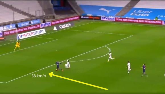 Kylian Mbappé impresiona con la velocidad para anotar en triunfo de PSG (Captura: Canal Football Club)