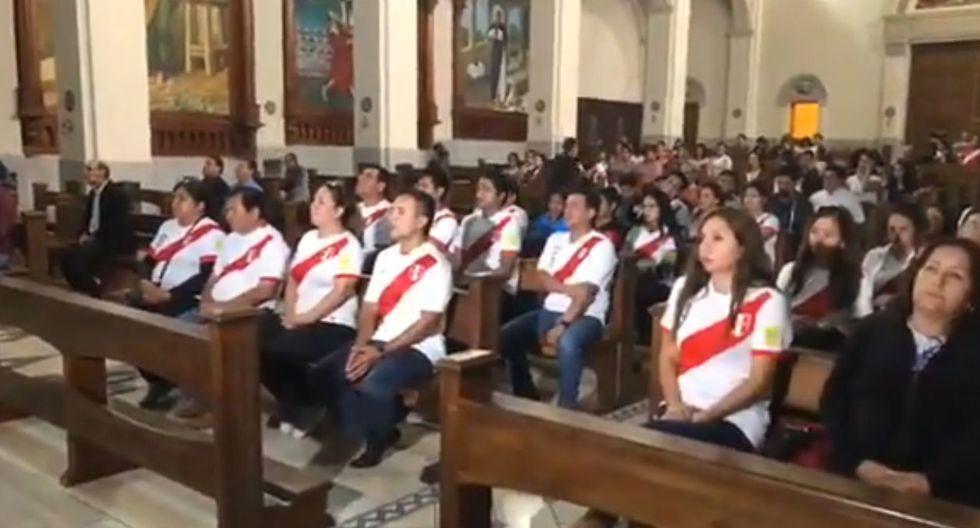Paolo Guerrero: Realizan misa en apoyo del 'Depredador' en Nuevo Chimbote