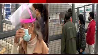 Ancianos hacen largas colas para recibir vacunas contra la COVID-19 pese a la reprogramación del Minsa