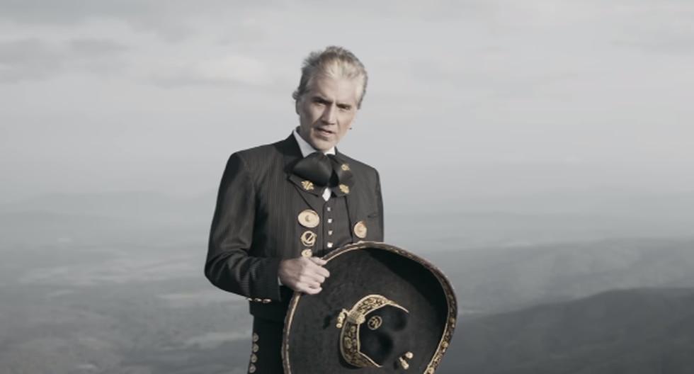 El músico mexicano presentó su nuevo sencillo 'Caballero' en YouTube.