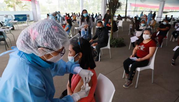 La vacunación contra el coronavirus (COVID-19) avanza en el país. Foto: Juan Ponce Valenzuela/@photo.gec