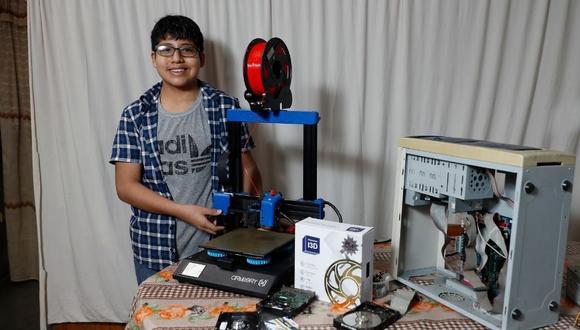 A sus cortos 13 años ha fabricado una impresora 3D con objetos reciclados. Fotos: Giancarlo Ávila / Trome.