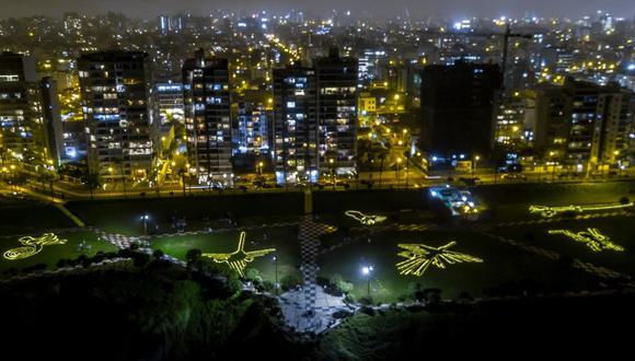 El municipio de Miraflores indicó que las luces led se encienden a las 6 p.m. y se apagan a las 10 p.m. (Foto: Municipalidad de Miraflores)