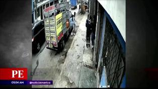 Hombre ataca con piedras a dos ladrones para evitar robo en San Juan de Miraflores