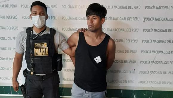 Piura: El sereno Carlos Jorge Medina Rosales, asesinó de cinco cuchilladas al carpintero Luis Manuel García Peralta (58) y dejó gravemente herido a su hijo Luis Francisco García Peña, cuando trató de defenderlo.