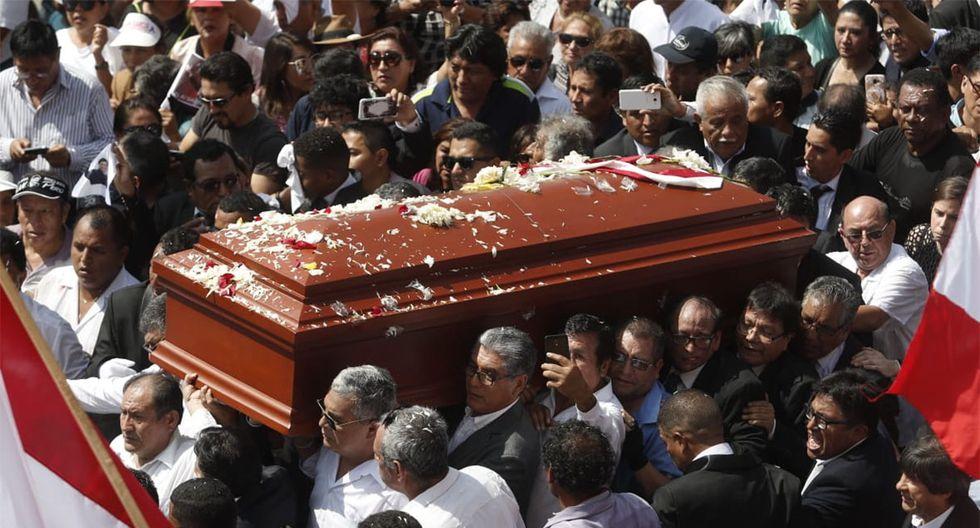 Así fue la salida del féretro del ex presidente Alan García de la Casa del Pueblo. (Foto: César Campos / GEC)