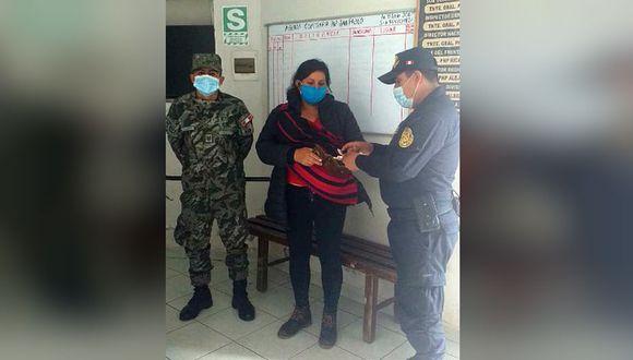 Militar encuentra billetera con mil soles y se la devuelve a madre de familia