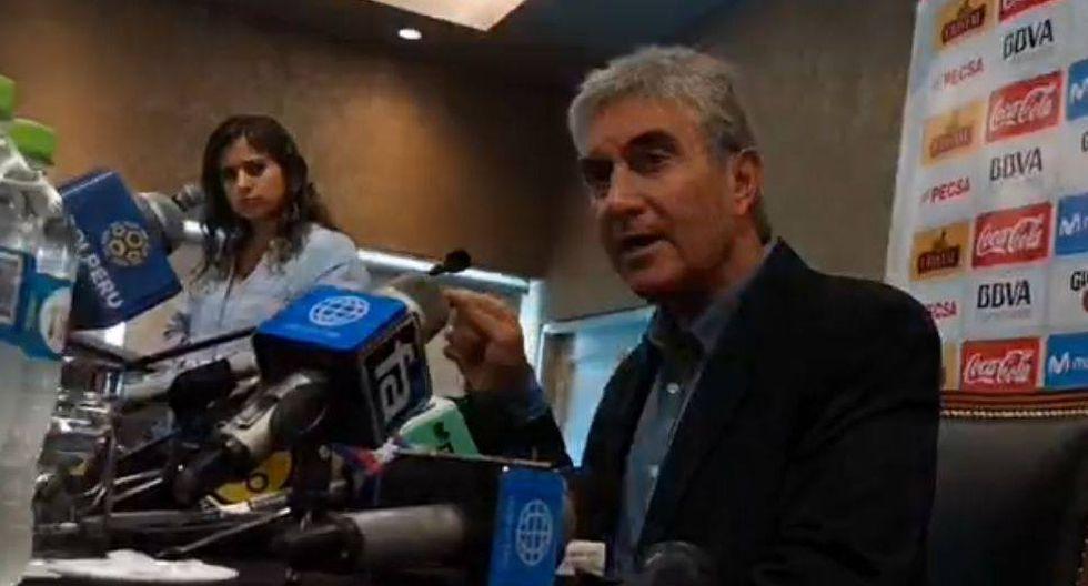 Juan Carlos Oblitas en conferencia de prensa