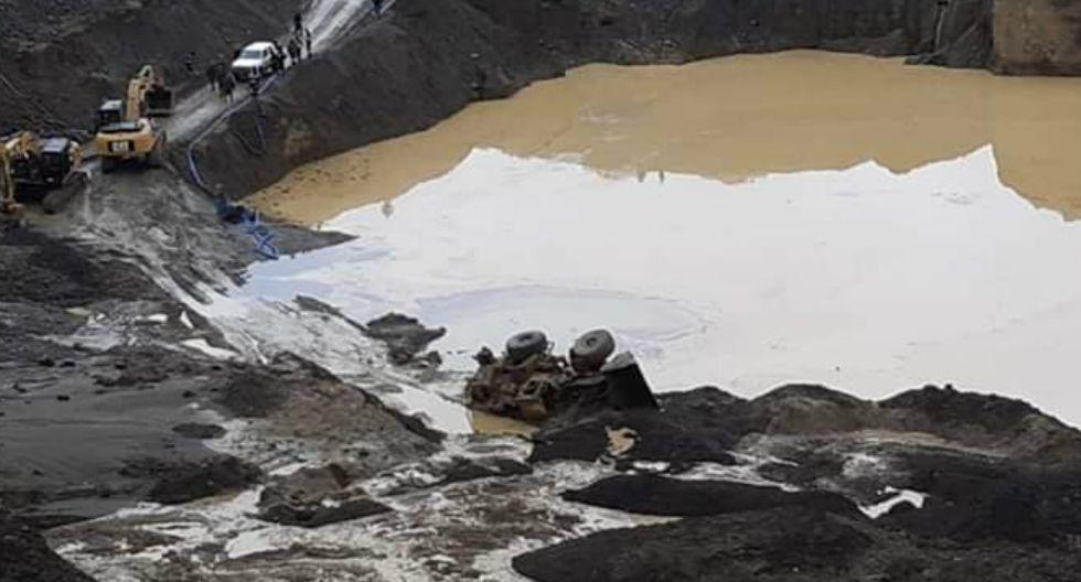 Maquinista muere al volcar y caer a laguna de relaves mineros en Puno