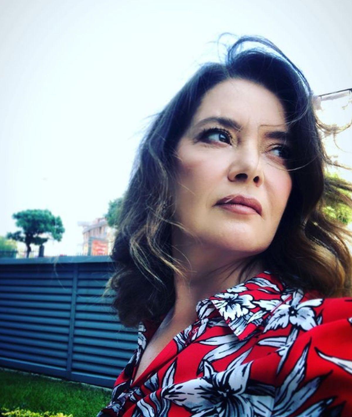 "Lale Başar interpreta a Mukaddes Şekercizade en ""Amor a segunda vista"" (Foto: Lale Başar/Instagram)"