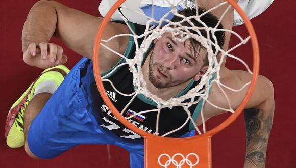 El esloveno Luka Doncic  marcó 48 puntos ante Argentina y fue la figura en el estreno del baloncesto olímpico (Foto AFP)