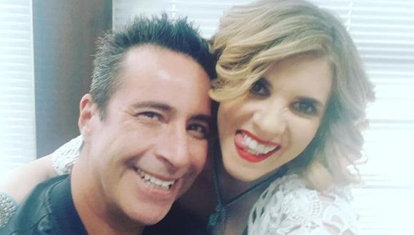 """""""Buena gallo hervido"""", escribió Johana San Miguel a modo de felicitación a Carlos Carlín por publicar una foto con Bibi Gaytán. (Instagram)"""