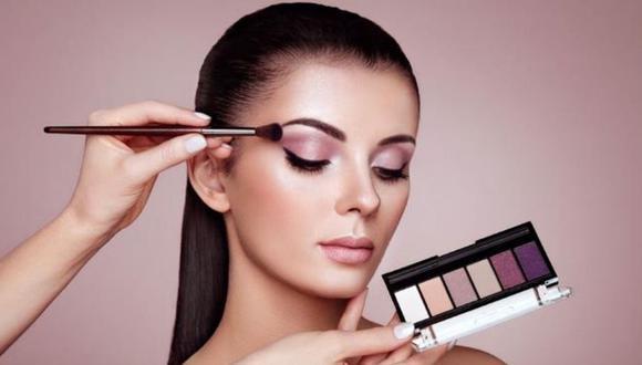 Tres consejos de expertos para maquillarte como una profesional.