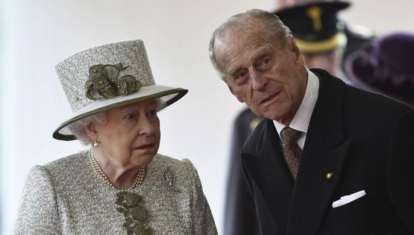Fue durante un paseo por el jardín, que Felipe le propuso matrimonio a Elizabeth, sin la aprobación de sus padres. Ella aceptó de inmediato. (Foto de archivo: AFP )