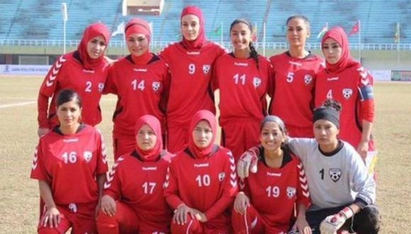 Futbolistas de la selección femenina de Afganistán lograron dejar la zona de conflicto. (Foto: EFE).