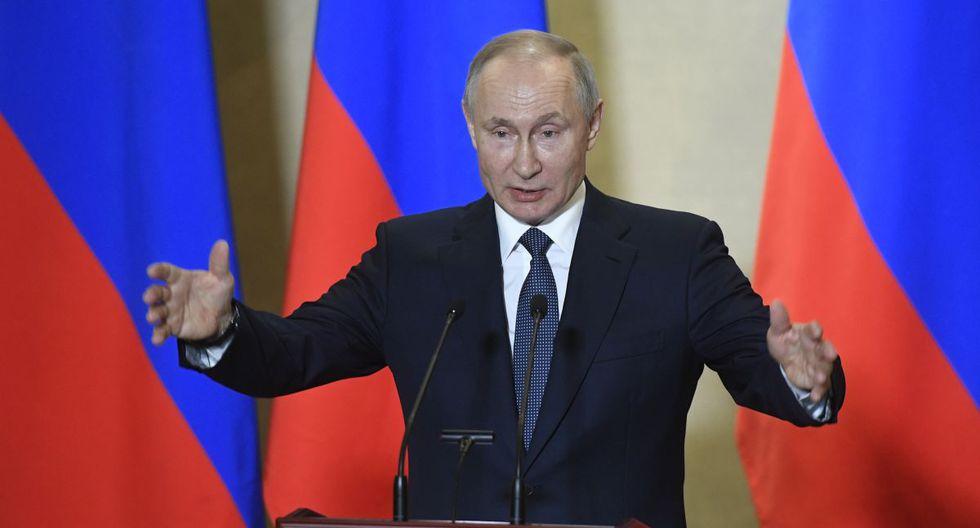 Coronavirus: Presidente de Rusia usó traje nuclear y contra radioactividad para visitar a contagiados del virus en hospital