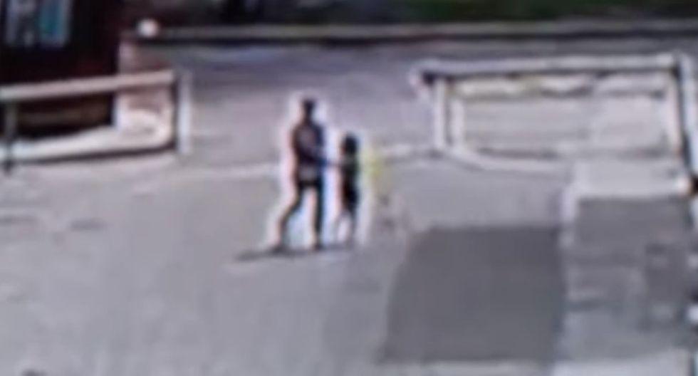 Sujeto se lleva a niñita de 7 años pero sus gritos desesperados permiten su rescate. Foto: Captura de ATV Noticias