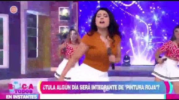 Tula sufrió percance con su falda al bailar