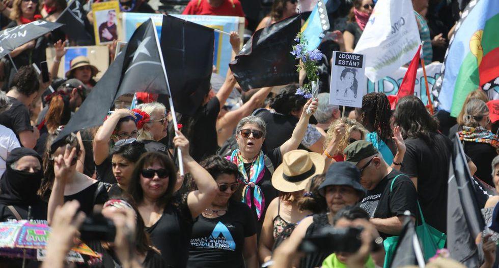 Las protestas, que son las más graves desde el fin de la dictadura de Augusto Pinochet y que este sábado cumplen tres meses, han dejado al menos 27 muertos. (Foto: EFE)