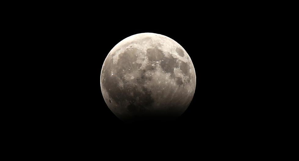 Un eclipse lunar, una superluna, una luna de sangre y una luna azul se podrán apreciar desde distintos puntos del mundo este 31 de enero. El fenómeno se repite cada 150 años.