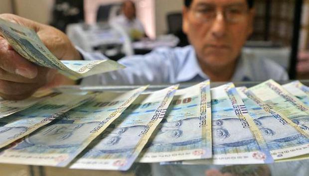 Los afiliados a las AFP efectuarían el retiro de sus fondos con desembolsos progresivos, según el nuevo dictamen aprobado en el Congreso. (Foto: Andina)