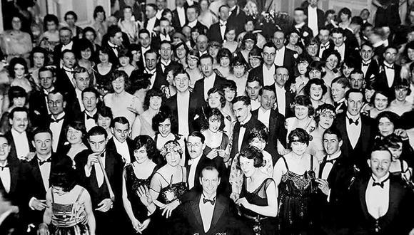 """La foto ficticia de Jack Torrance, interpretado por Jack Nicholson de """"The Shining"""", se volvió viral por este motivo (Foto: Kubrick)"""